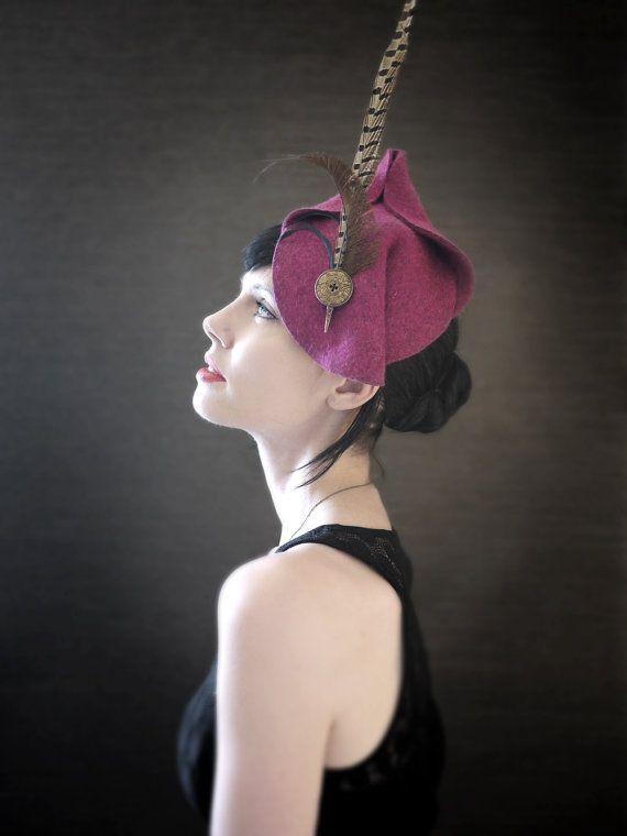 Autunno moda Magenta sentiva Fascinator con piume di fagiano - Diana Hat - su ordinazione