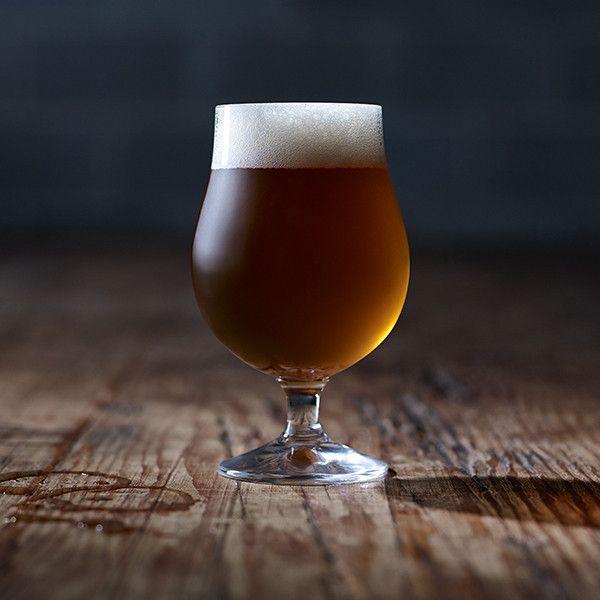 Honey Ale - Torn Label Brewing Co. Beer photography with RW2 Studios #beer #craftbeer #beerdesign