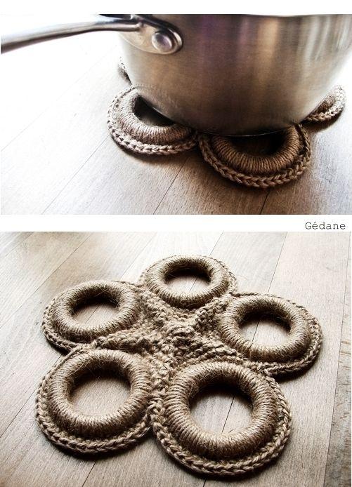 Dessous de plat en anneaux de rideau crochetés