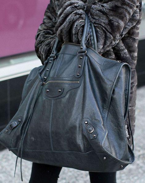Handbags...Now that's my size handbag!!!