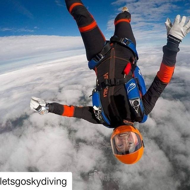 #Repost @letsgoskydiving (@get_repost)  Check out our fan @marycarbutt !  Join our family follow @jumpfam !  Want to be featured on our insta? -> Mention @jumpfam and use #jumpfam tag  thank you for the awesome smiley photo Karim  #jumpfam #skydivinggram #jointheteem #flydynamic #basejump #swooping #gopro
