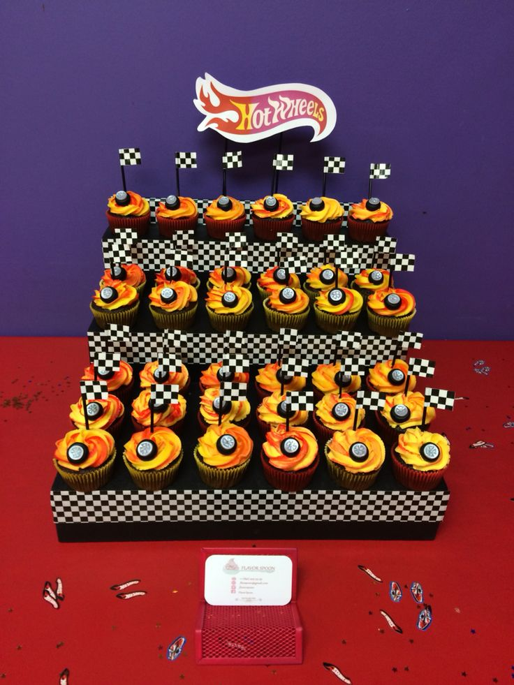 Hot Wheels cupcakes & stand