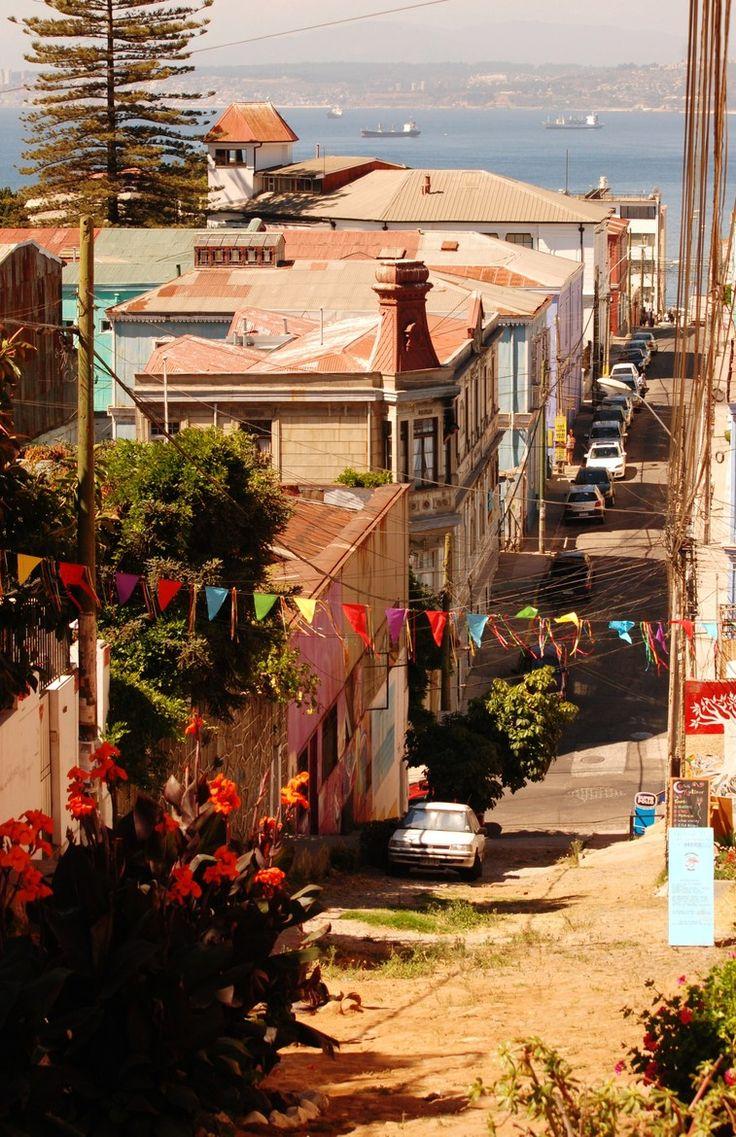 Cale en Valparaiso, Chile / por Shirin Kemp en 500px