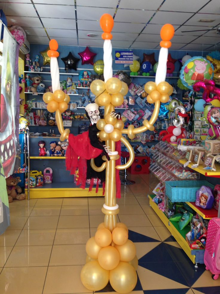 44 best balloon lamp posts chandeliers images on - Decoracion para halloween ...
