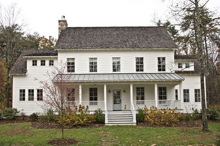 """EXTERIOR - This farmhouse is my dream house. It looks like the old homestead from """"The Walton's"""" TV show."""