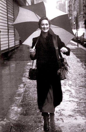 fellow vassar girlMeryl Streep Young, Umbrellas, 2Meryl Streep, Admire Icons, Celebrities Inspiration, Beautiful People, Merylstreep, Young Meryl Streep, White Celebrities
