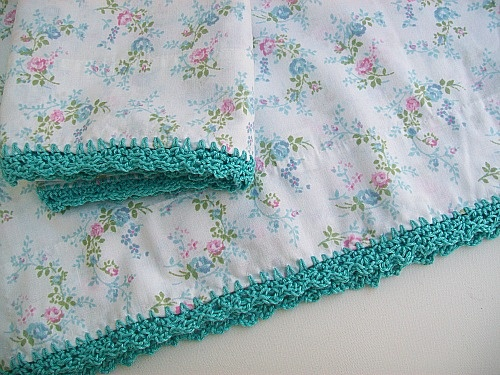 crocheted edge pillowcases  {my grandma always did this.  i have some from her!}