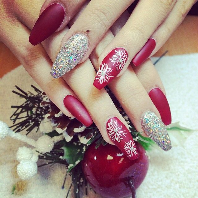 Holiday Acrylic Nails Designs: Merry Chistmas - Red & Silver Coffin Nails