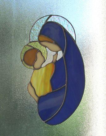 LA VIERGE À L'ENFANT JÉSUS, MADONE, MATERNITÉ   Distinguez-vous en offrant ce beau vitrail Tiffany. Cet attrape lumière en verre peut décorer votre maison.25,5 cms x 15,5 cm - 14172883