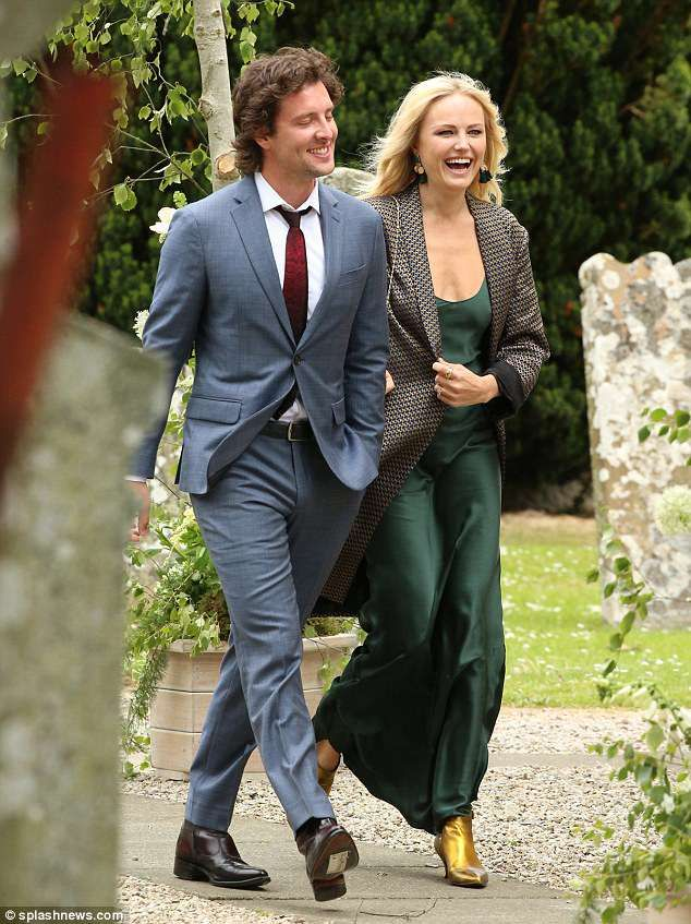 Kit Harington Wedding.Malin Akerman And Fiance Jack Donnelly Beam At Got Wedding Jack