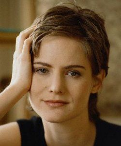 Jennifer Jason Leigh   http://www.filmcikti.com/oyuncu/jennifer-jason-leigh.html