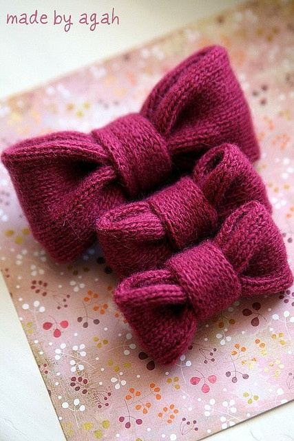 Knitted bows - SO cute!