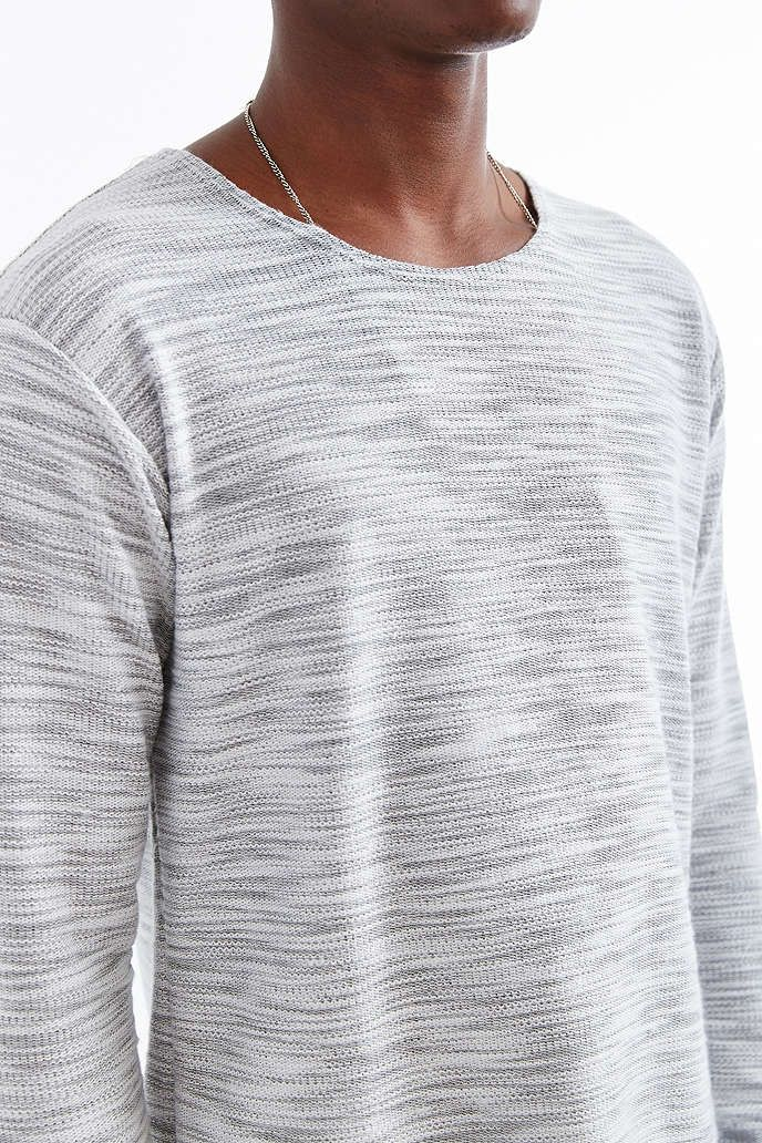 Feathers Textured Curved Hem Crew Neck Tee - Urban Outfitters