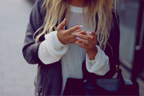 Layers.Midi Rings, White Sweaters, Style, Outfit, Fall Sweaters, Fall Fashion, Leather Jackets, Nails, Knits Sweaters