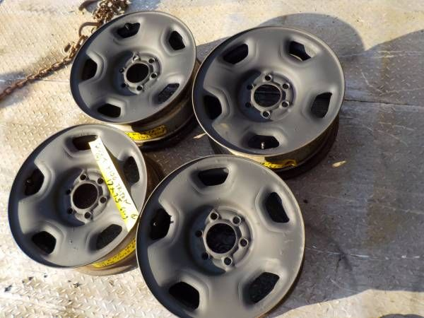 2004 f150 steel rims 17×7.5 q4 #676 alloy as well (Barre vt) $100