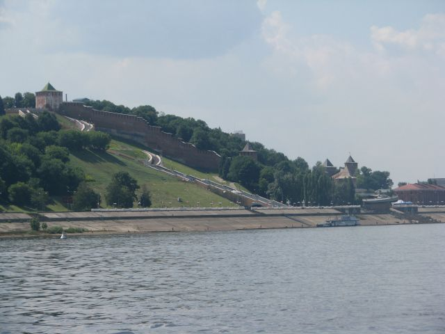 A view of Alexander Gardens from the Volga River in Niznhy Novgorod, Russia.