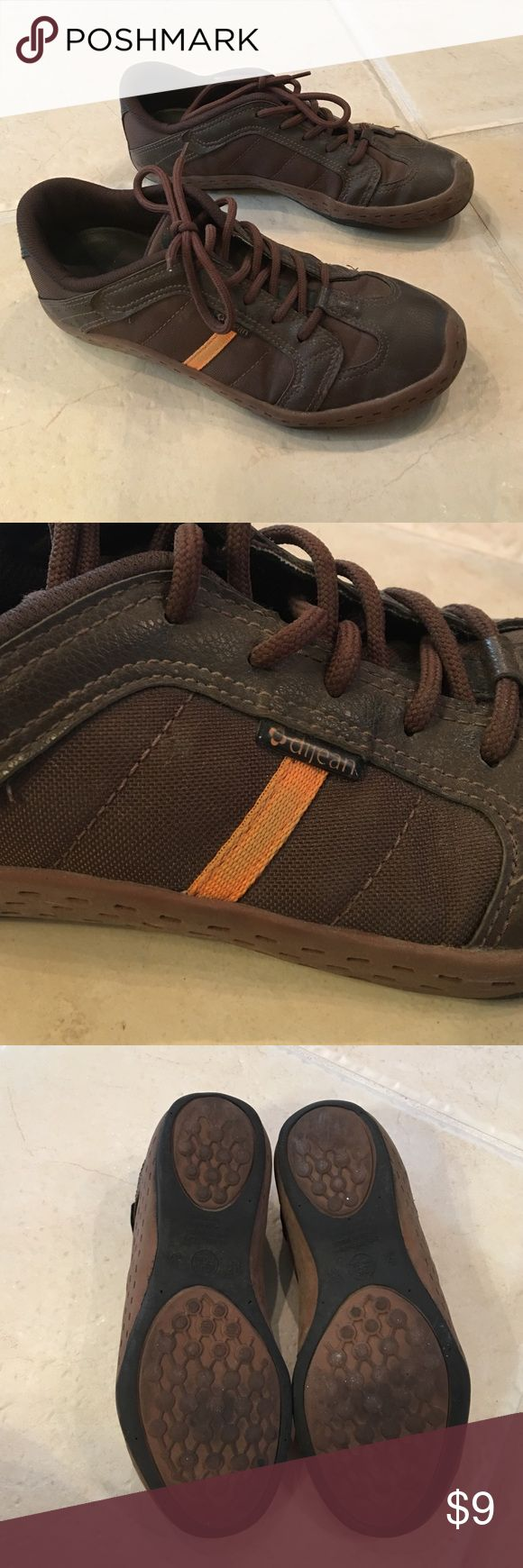 Dijean tennis shoes. Shoes are from Brasil. Used condition but still have life to give. Shoes Sneakers