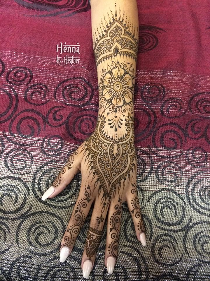 Breathing new life into an old favorite henna design :)