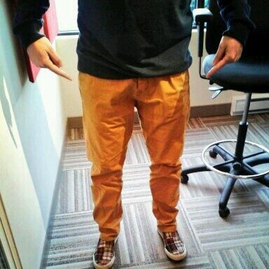 Mauler's Mustard Pants!! Check out his cool shoes too! #FashionKing What do you think Hotties!? Be honest!