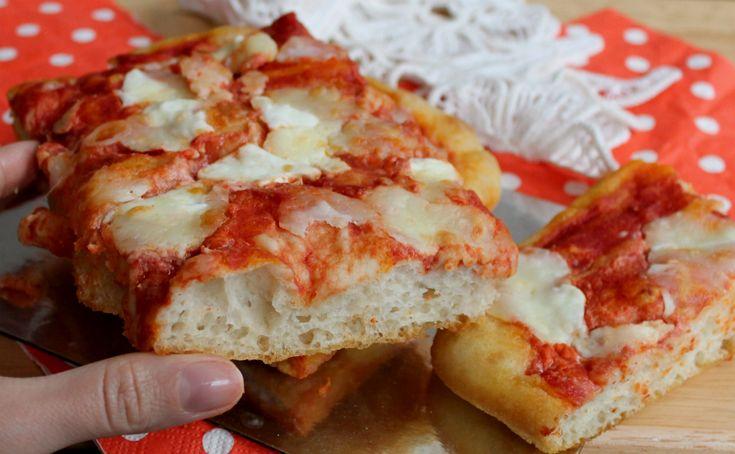 PIZZA+AD+IMPASTO+MOLLE+con+lievito+di+birra