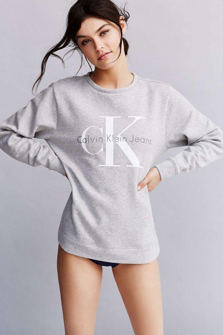 Calvin Klein Sweatshirt from urban that i REALLLLLYYYYY WANT