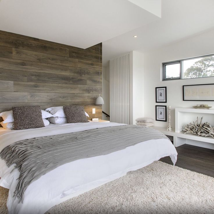 Еще один вариант как можно применить #ламинат #BerryAlloc на стене в спальне…