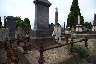 Sydney Eye: Taphophile Tragics - My kingdom for a monument - Grave of John & Jane Tonkin in Kew Cemetery