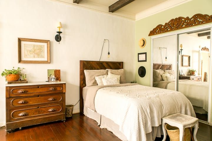 House Tour: A Small, Old World-Inspired LA Studio | Apartment Therapy  NOTICE DECOR OVER MIRROR!