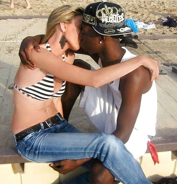 20 black dating man white woman