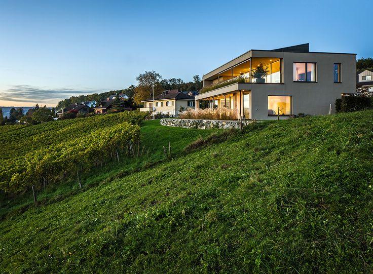 www.sky-frame.com –  Architecture: Elisabeth Städler Architektur, Switzerland www.staedler-architektur.ch  Photography: Martin Maier, Germany www.martinmaier.com