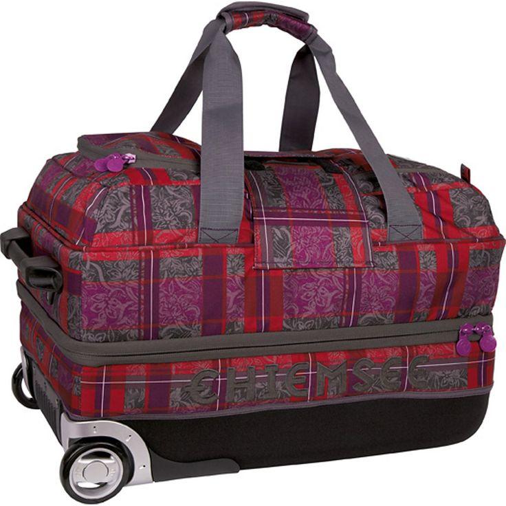 Sport 15 Premium Travel Bag Medium 2-Rollen Reisetasche 70 cm    Chiemsee Sport Reisetasche mit Reißverschluss und einem arretierbarem Griff. Die Tasche hat 2 Rollen und einen Tragegriff an der Vorderseite. 70 cm groß    Serie: Sport  Außenmaße (LxBxH): 70cm x 40cm x 35cm  Gepäckart: Weichgepäck  Gewicht in kg: 3.91kg  Volumen in L ca.: 91-100  Material: Nylon  Ausstattung: Innenfutter, arretie...