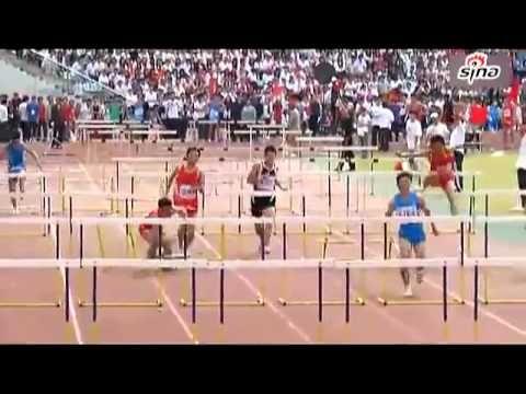 O pior atleta 100 metros barreiras   Veja mais em: http://www.jacaesta.com/o-pior-atleta-100-metros-barreiras/
