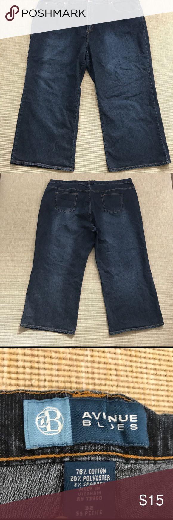 """Avenue Blues Cropped Jeans Plus Size 32 SS Petite Avenue Womens Cropped Pants Navy Blue Casual Plus Size 32 SS Petite. Excellent condition.Inseam 28"""", rise 14"""", waist 46"""". Avenue Jeans Straight Leg"""