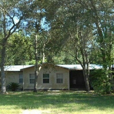 JUST LISTED!!! DO NOT MISS YOUR CHANCE ON A PRIDE OF OWNERSHIP IN GAINESVILLE, FL! MOBILE HOME WITH 3 BEDROOMS AND 2 BATHROOMS SITS ON ALMOST 2 ACRES OF LAND! PROPERTY HAS A SCREENED IN PORCH TO ENJOY SITTING OUTSIDE. SOME TLC NEEDED. PROPERTY WILL BE PLACED IN AN UPCOMING ONLINE AUCTION EVENT. OFFERS AND AUCTION EVENT WILL TAKE PLACE ON WWW.XOME.COM. ALL PROPERTIES ARE SUBJECT TO A 5% BUYERS PREMIUM PURSUANT TO THE TERMS AND CONDITIONS. CONTACT LISTING AGENT FOR DETAILS ON THIS…