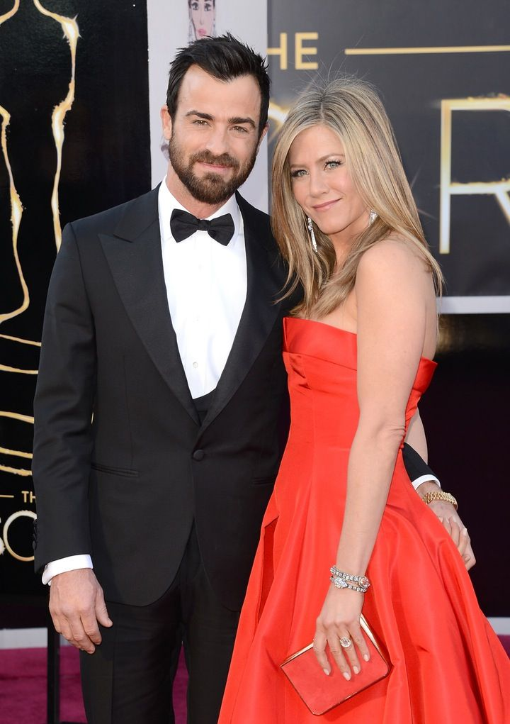 What!?: Not Even Jennifer Aniston and Justin Theroux Have Seen the Photos from Their Surprise Wedding