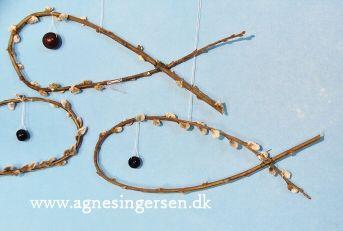 Fiskene har vi lavet i min dagpleje.  Klik ind på bloggen og se hvordan. http://agnesingersen.dk/blog/fisk - easy kids crafts spring scenery ideas - Kinderbastelideen Frühlingslandschaft Ideen