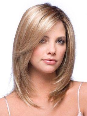 Красивая стржика для тонких волос средней длины