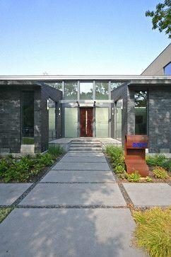 Stefani House contemporary entry