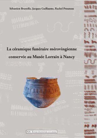 La céramique funéraire mérovingienne conservée au Musée Lorrain à Nancy, attribuable, dans sa grande majorité, aux VI° et VII°s de notre ère. Les vases sont le plus souvent à profil anguleux et sont parfois pourvus d'un décor poinçonné ou bien obtenu à l'aide d'une molette à motifs géométriques prédominants.