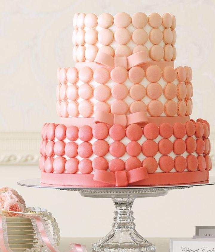 ピンクグラデーションの愛されマカロンケーキ