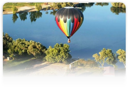 Hot air balloon rides in Bear Valley Springs CA, just outside of Tehachapi, every 4th of July.