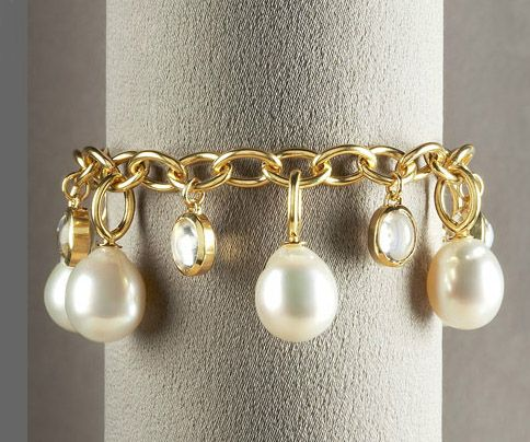 Baroque Pearl Bracelet 18k Yellow Gold Setting Cultured South Sea Drop 13 85 Carat Moonstone Detail By Wanting A Charming Life In 2018 Pearls