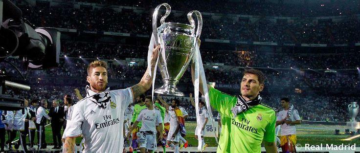 El defensor artillero Sérgio Ramos y el mejor portero del mundo Iker Casillas. Fiesta de los campeones de la Champions League.