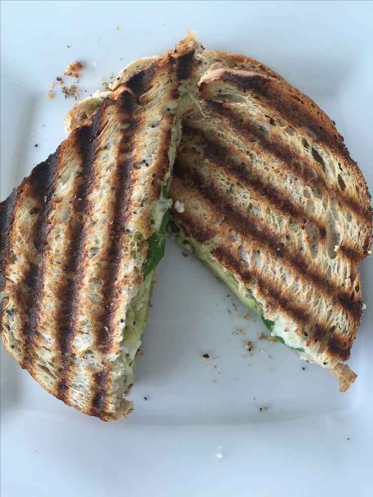 Avocado sandwich - makkelijk recept