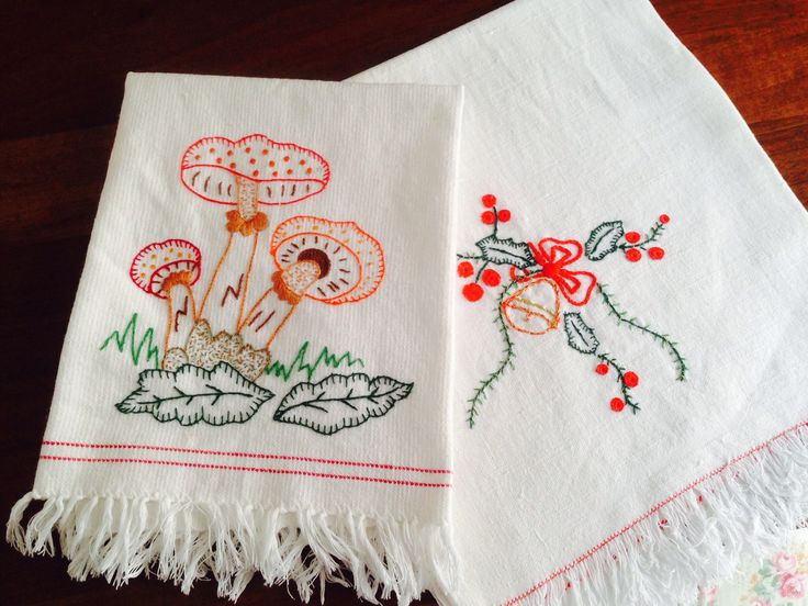 Ricamo, natale, funghi - classical embroidery, christmas, bell, mushrooms