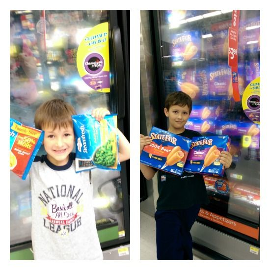 Donating to our Local Food Pantry #ChampionsForKids #SummerofGiving #ad