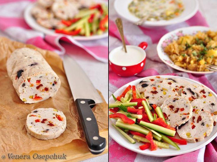 Вкусная пауза - Куриный рулет с оливками, вялеными томатами и фисташками (диетический)