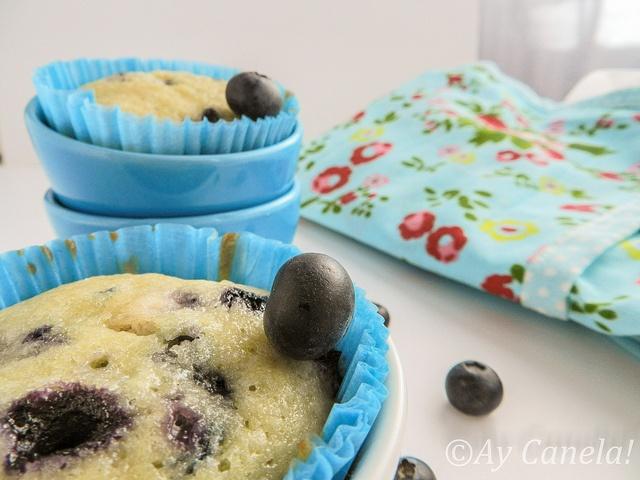 Muffins de Arándanos 4 by ManuLamas, via Flickr