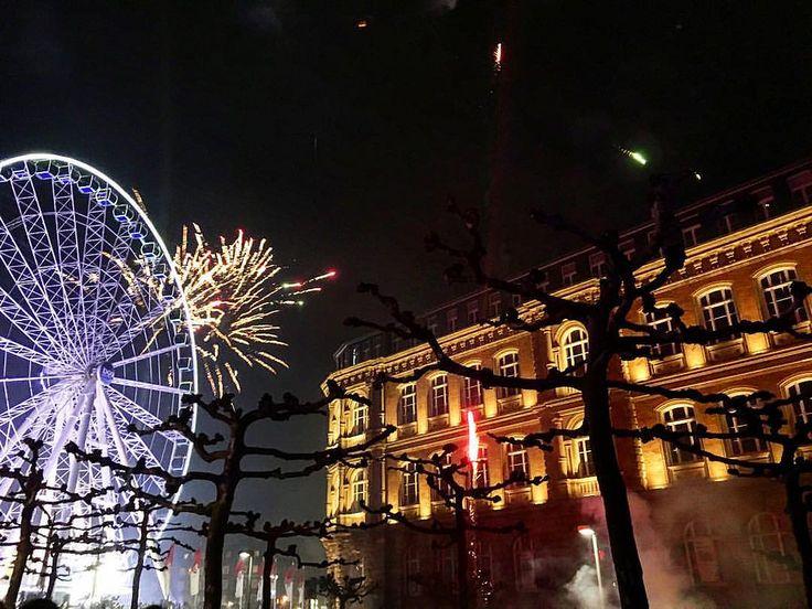 https://flic.kr/p/CJk6Vz | Düsseldorf New year's eve 2015/16 #1   @ig_nrw @ig_deutschland #germany #deutschland #düsseldorf #duesseldorf #fireworks #newyear2016 #NRW #ferriswheel