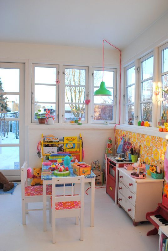 25 best ideas about sunroom playroom on pinterest living room playroom window bench seats - Dining room play ...